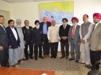 Meeting of Mr. Akhilesh Mishra, Consul General of India, Toronto with Senior Citizen Clubs.