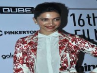 Actresses trying hard to change irregularity in pay scale: Deepika Padukone