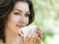 Drink tea to fight fatigue while driving