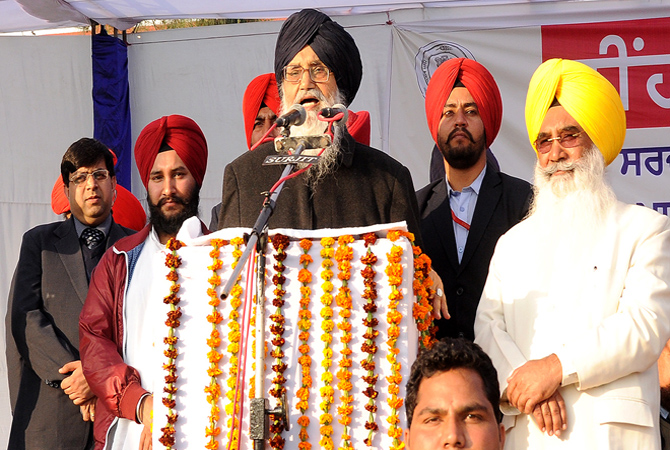 Badal asks captain to refrain from issuing baseless statements