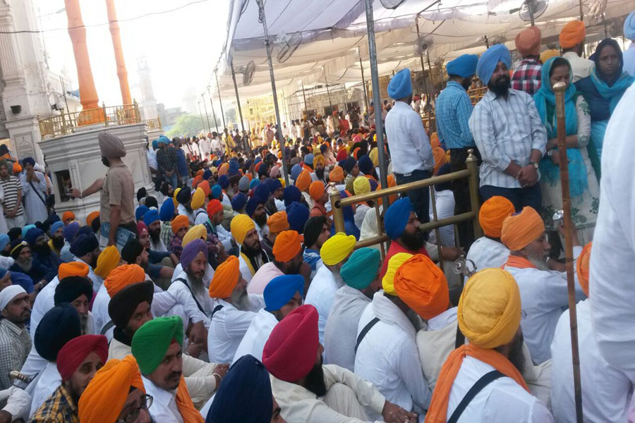 TRIBUTES PAID TO SANT BHINDRANWALE AND OTHERS AT AKAL TAKHT