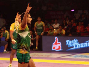 Pro Kabaddi League: Patna Pirates Remain in Hunt for Play-Offs With Win Over Bengal Warriors