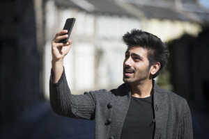 Average youth clicks 14 selfies a day: Google