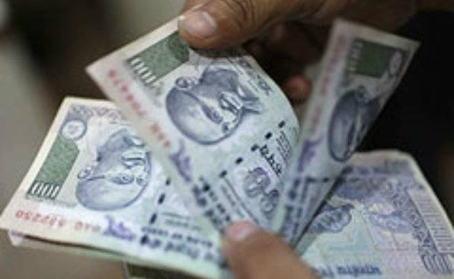 Govt proposes to cap cash transactions at Rs 2 lakh instead of Rs 3 lakh