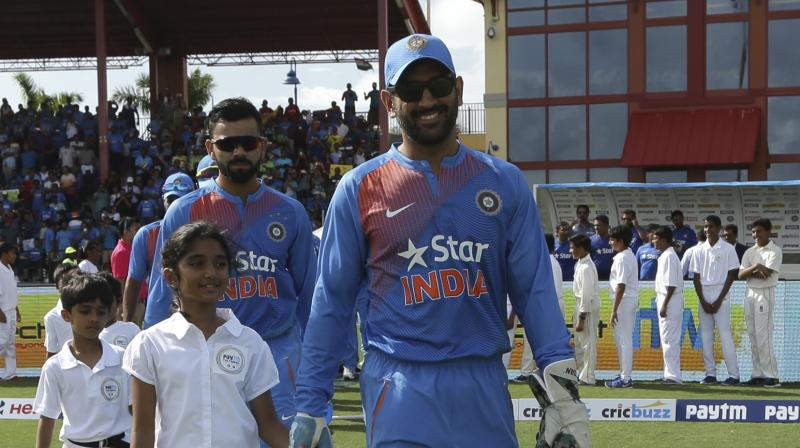 India can be No.1 Test team again: MS Dhoni
