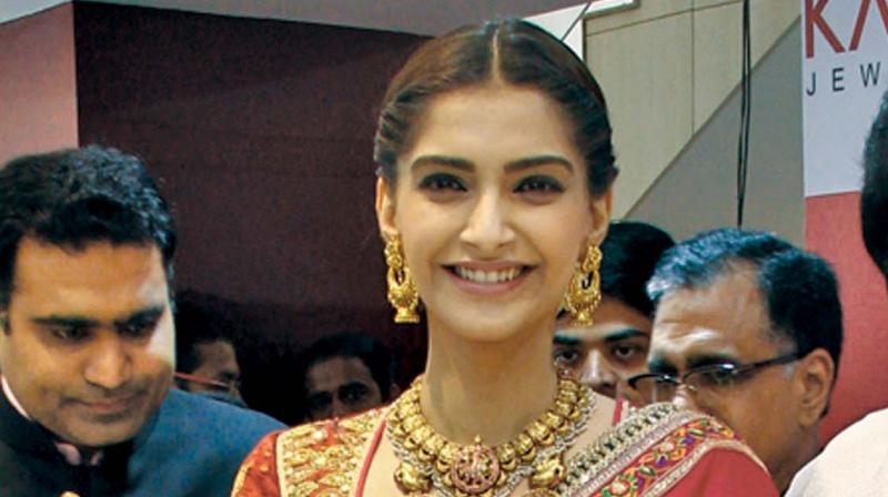 No pressure of looking best all the time: Sonam Kapoor