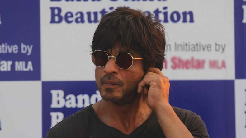 Can't work with people who don't love me: Shah Rukh Khan