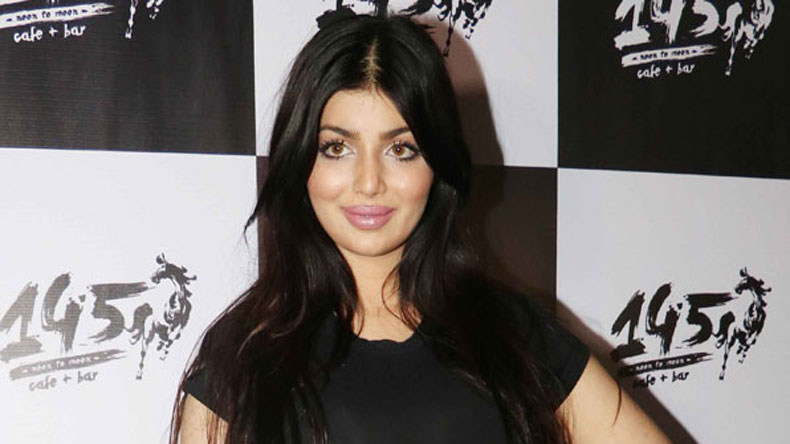 Ayesha Takia shuts down trollers over plastic surgery row