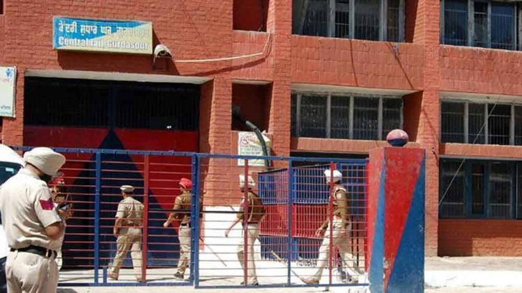 4,000 cops contain Gurdaspur jailbreak attempt