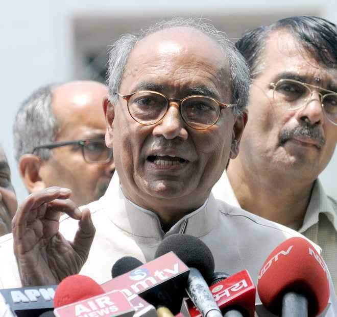 Cong removes Digvijay Singh as in-charge of Goa, Karnataka