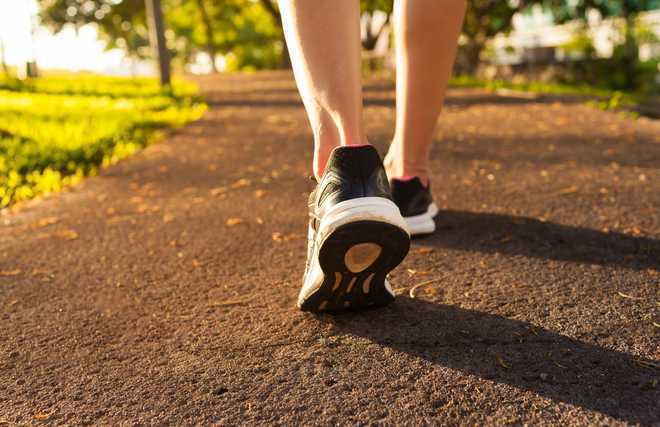 Leisurely strolls are safer than walking to work: study