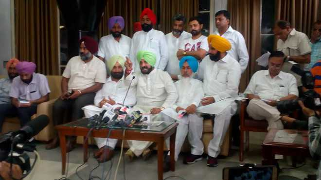 Punjab Assembly sees Sidhu-Majithia spat during budget discussion