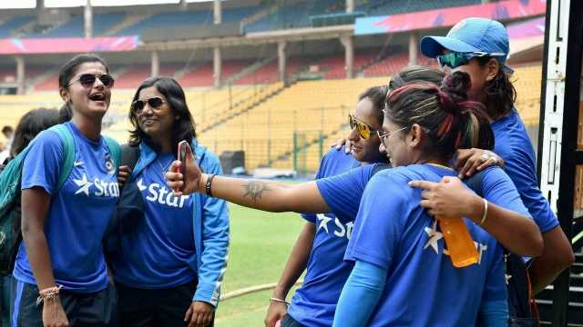 India take on England in World Cup opener