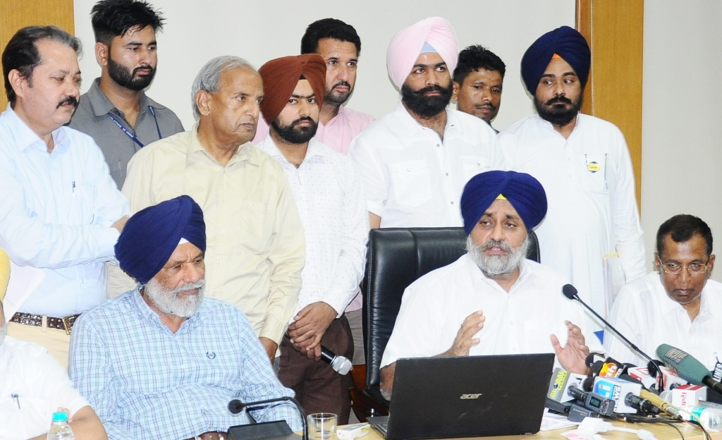 SAD-BJP blasts Manpreet Badal for engineering a fake loan waiver