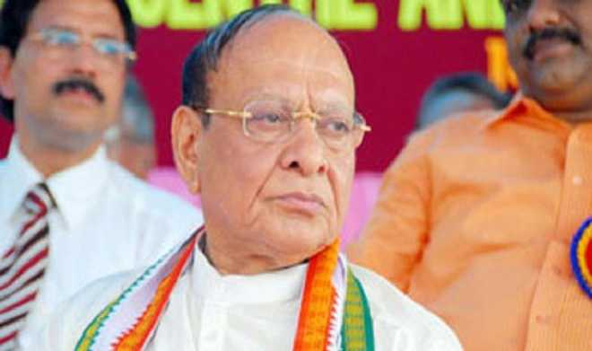 Vaghela quits Congress, rules out joining BJP