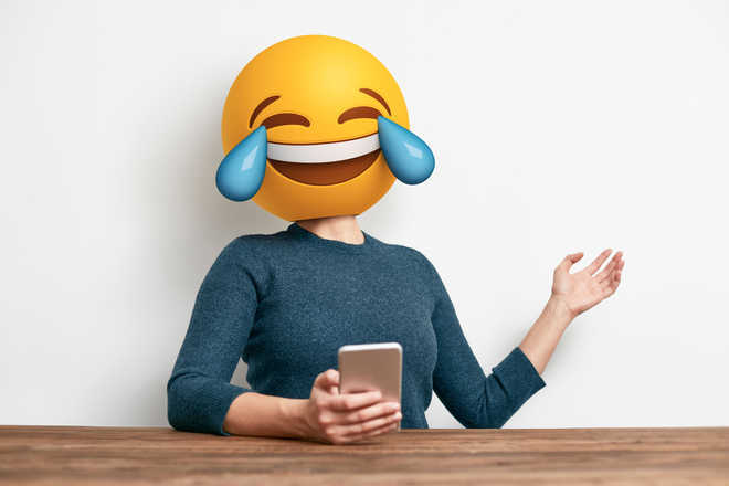 Emojis in work e-mails may portray low competence