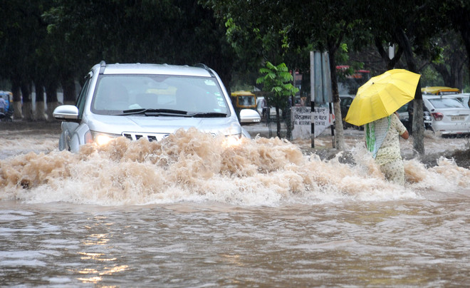 Heavy rain in Chandigarh, Panchkula, Mohali throws life out of gear