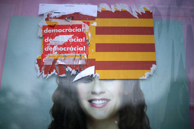 Catalan separatists can still back down: Spanish PM's party