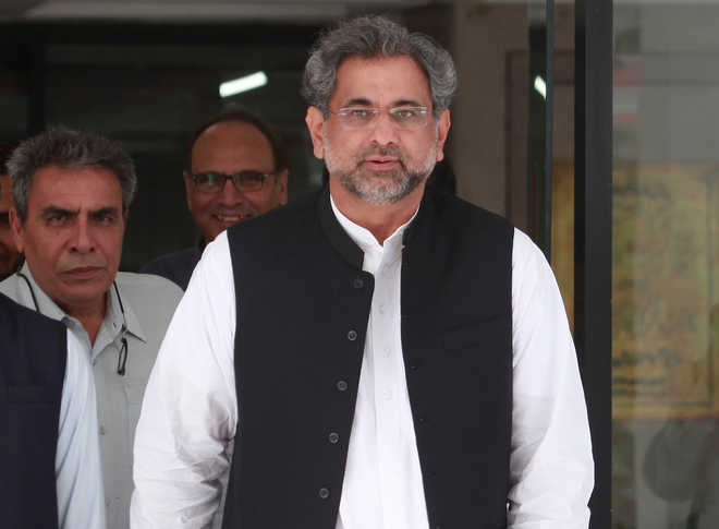 Abbasi becomes Pakistan's first PM to fly military helicopter