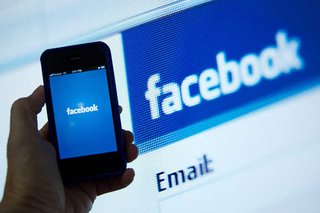 Materialists spend more time on Facebook, says a German study
