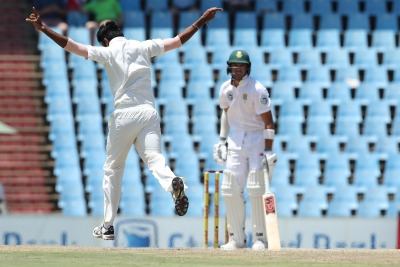South Africa take 88-run lead at tea on Day 3
