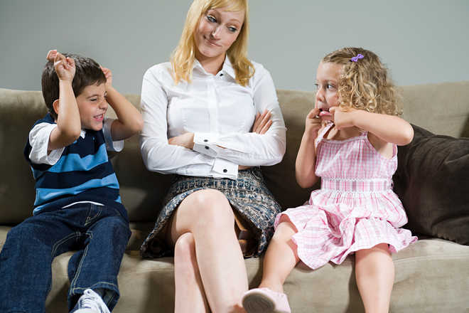 Helicopter Parenting May Negatively >> Helicopter Parenting May Harm Kids Behavior